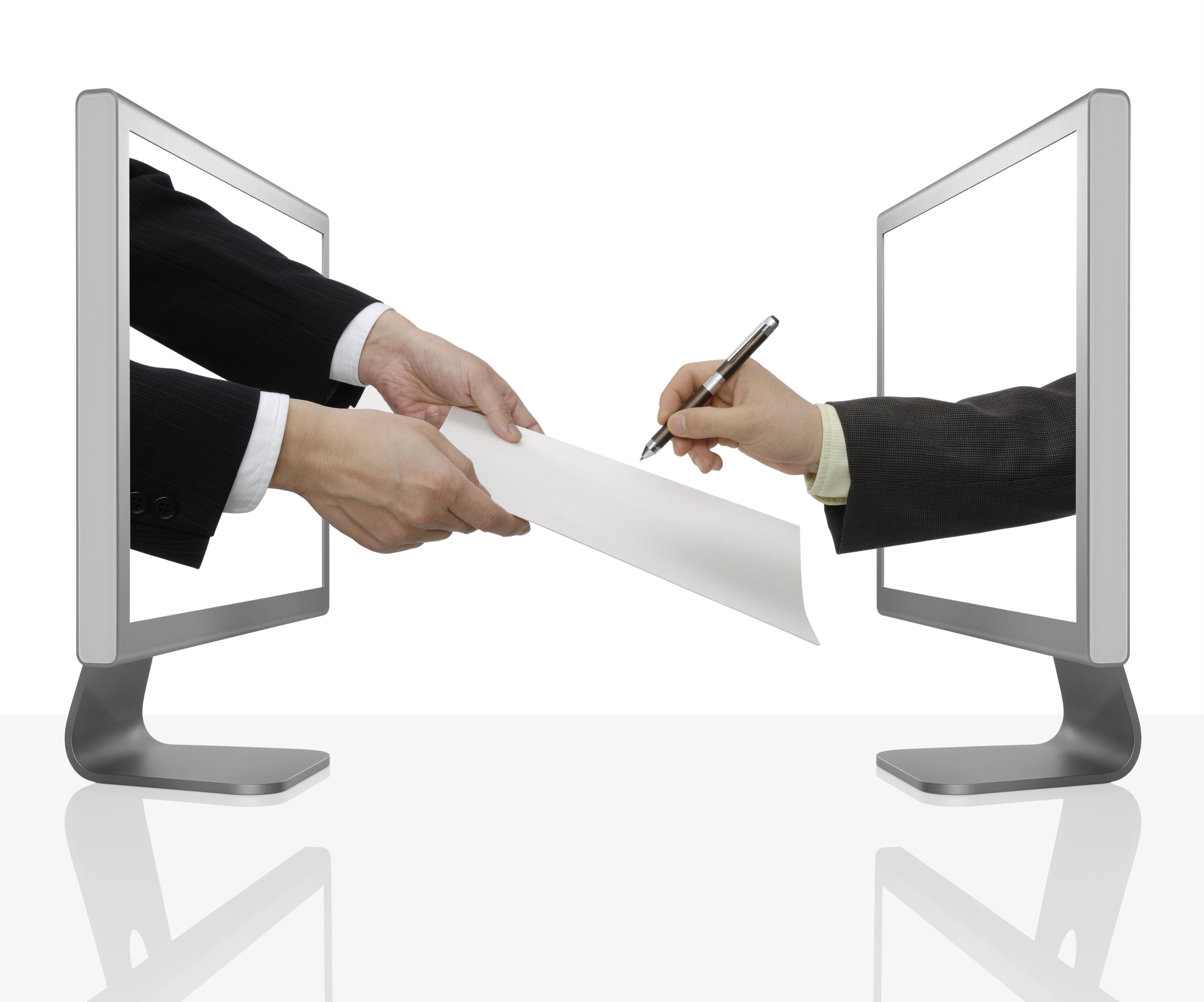 Abbildung zeigt symbolisch zwei Bildschirme, durch die Arme und Hände ein Blatt Papier und einen Stift zur Unterschrift reichen