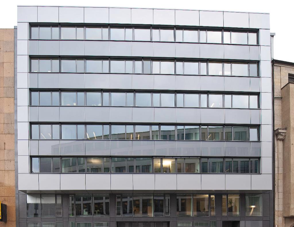 Abbildung zeigt die Frontansicht der Steuerberaterkammer Köln Geschäftsstelle